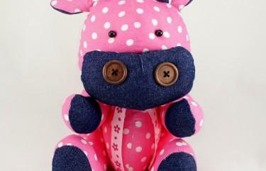 BeeHum personalize handmade plush toy