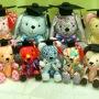 Graduation plush toys by BeeHum