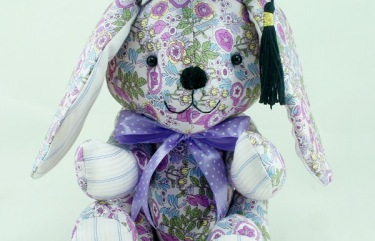 BeeHum graduation bunny with mortarboard