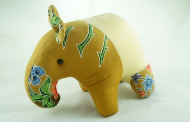 BeeHum custom batik tapir plush toy